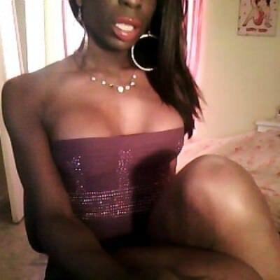 Anal brunettte mom